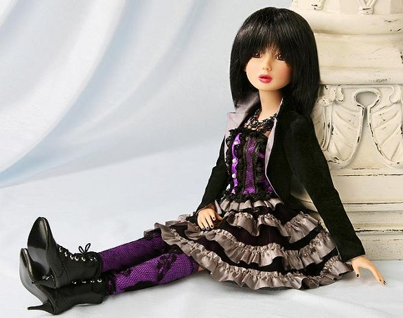 delilah noir debut2 collectible dolls