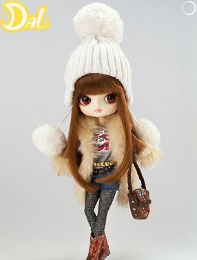 dal 6 collectible doll