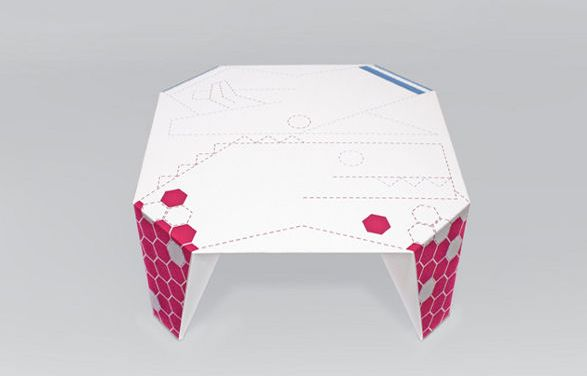 make me up table for kids to draw on