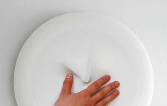 minimalist vague clock