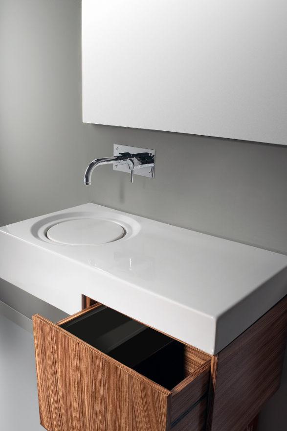 discret wash basin minimalistic flow