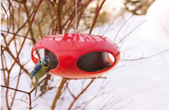 pip bird feeder inspired by spaceship