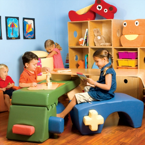 p'kolino play table for children