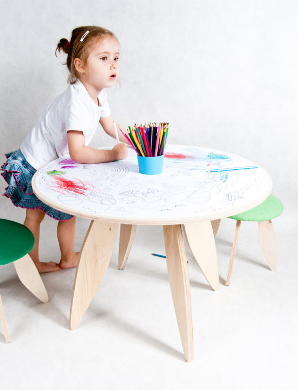 recik table for kid's room