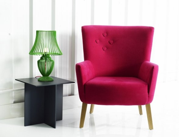 love chair purple with heart buttons