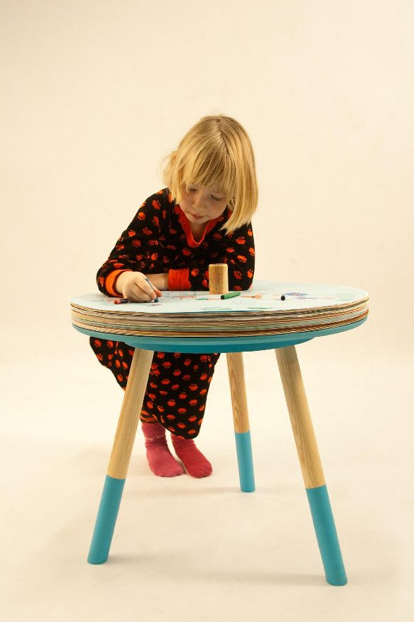 come and draw table for children